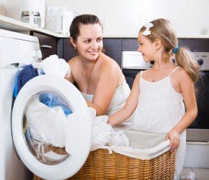 Lavar la ropa en lavadora